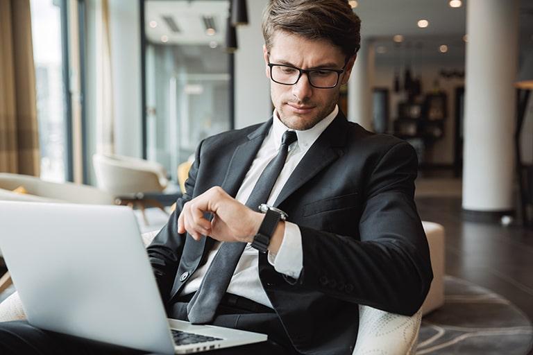 【Zoomの設定方法】オンライン会議の残り時間を表示するやり方を解説