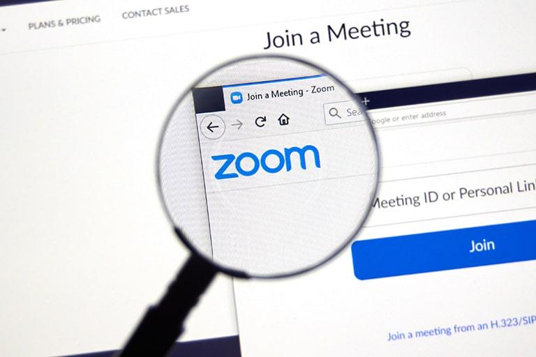 Zoomアカウントにライセンスユーザーを追加する方法