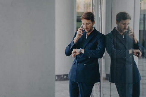 電話取り次ぎ時の無駄な時間は無くせる。会社から携帯へ電話転送する方法